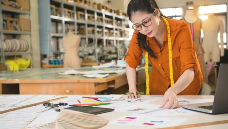 my career choice fashion designer Is fashion design school for you what degree or career the best fit for your talents let our easy guide help you blaze your own career path while fashion design jobs get a lot of attention for being the creative driver of the industry, the fashion world is actually a complex ecosystem with a large.