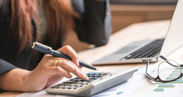 Finanzierungstipps bei Selbstorganisation eines Jobs im Ausland