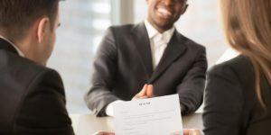 Hilfe bei der Jobvermittlung im Ausland